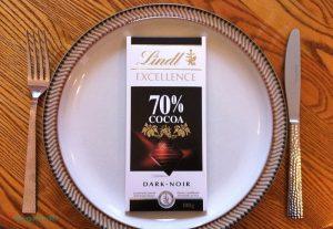 Для диеты нужно использовать только черный шоколад