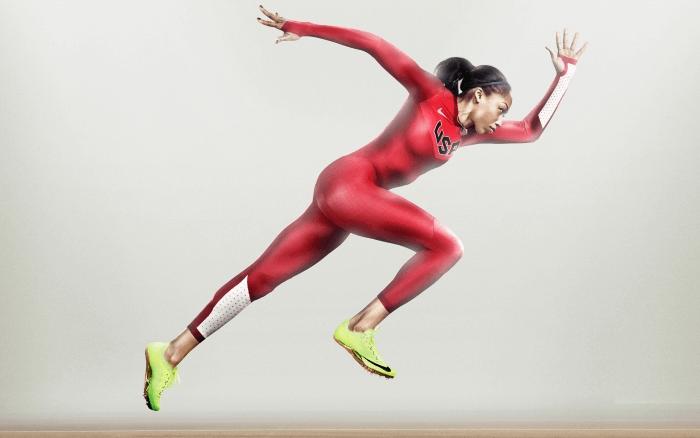 женщина бежит