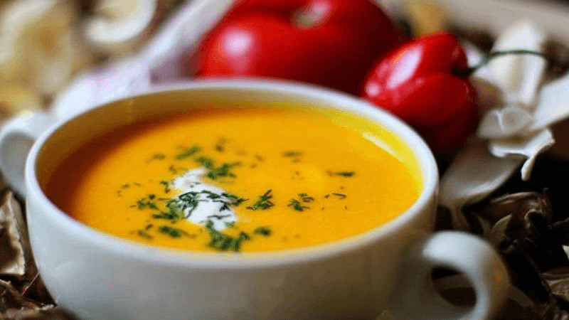 Морковный суп-пюре с мятой и апельсиновым соком