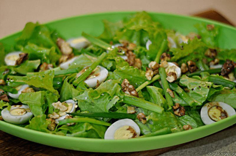салат с пряными орехами